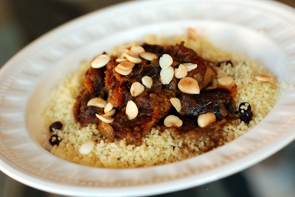 Moroccan Lamb Tagine with Dates and Almonds with Cinnamon ...