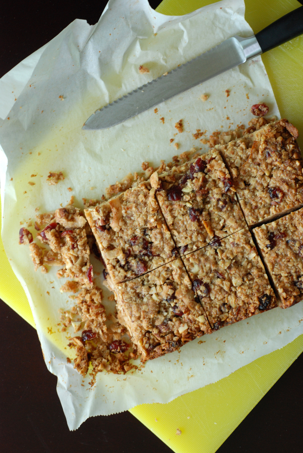 Thick, Chewy Cranberry Granola Bars | the taste space