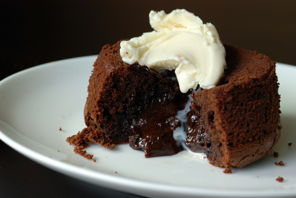 15-Minute Molten Chocolate Lava Cakes | the taste space