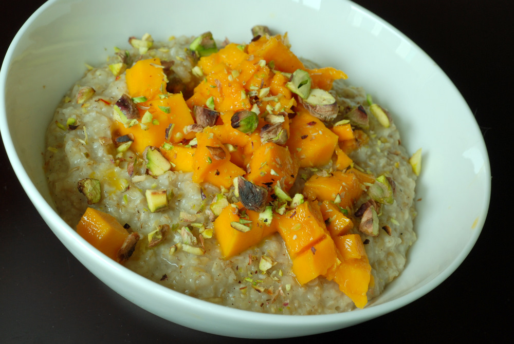 Mango Pistachio Steel Cut Oatmeal (aka Mango Shrikhand Oatmeal)   the ...