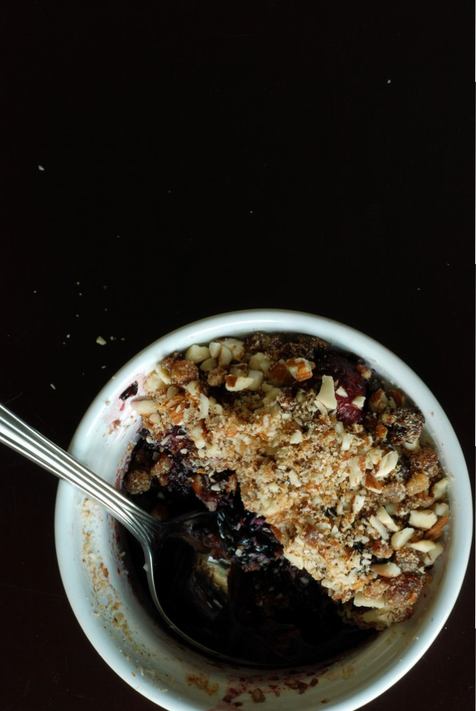 Raw Mixed Berry Crisp