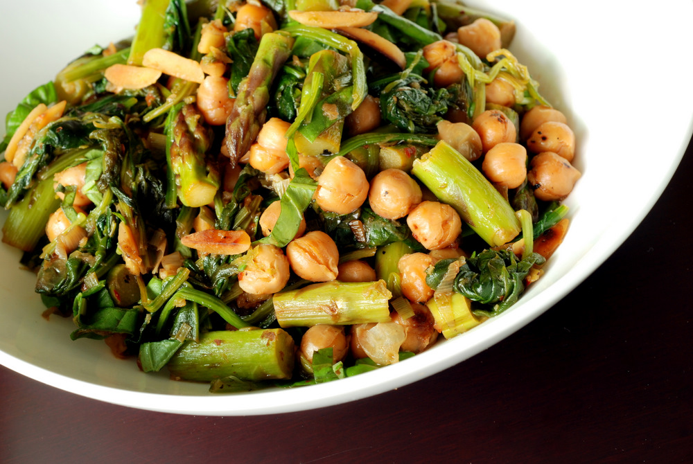 Asparagus and Chickpea Stir-Fry with Hoisin Sauce | the taste space