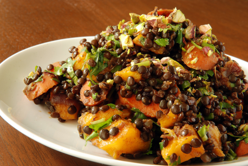 Moroccan Curried Carrot, Mango and Lentil Salad | the taste space