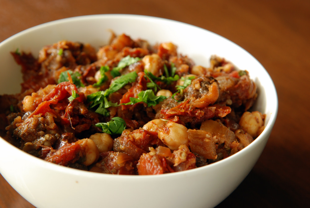 Indian Roasted Eggplant and Tomatoes with Chickpeas (Baingan Bharta ...