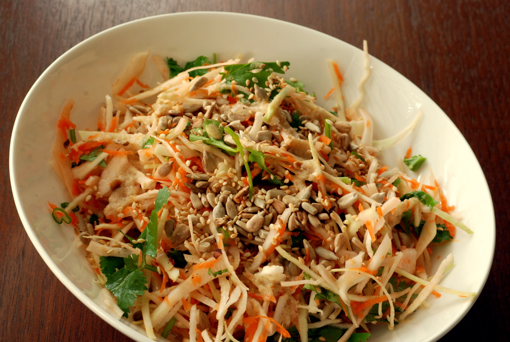 Crunchy Cabbage Salad with Orange-Tahini Dressing | the taste space
