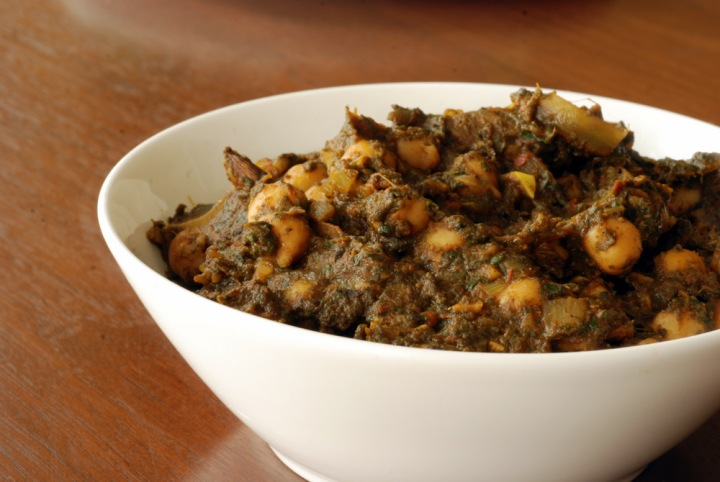 Indian Chickpea and Spinach Curry (Chana Saag)