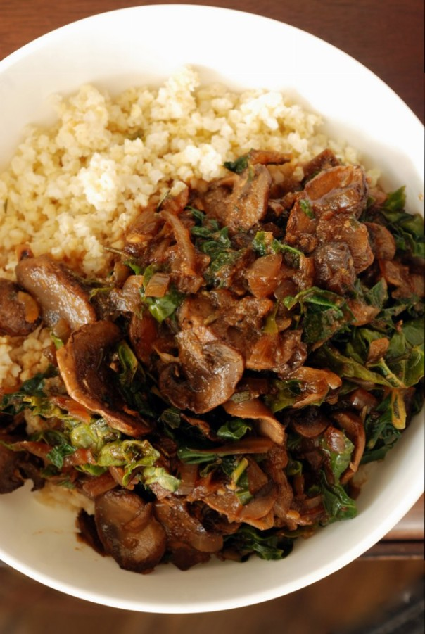 Millet Bowl with Rosemary Mushroom Gravy and Kale