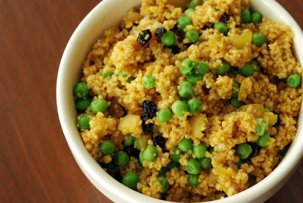 Curried Couscous Pilaf Salad with Peas and Currants | the taste space