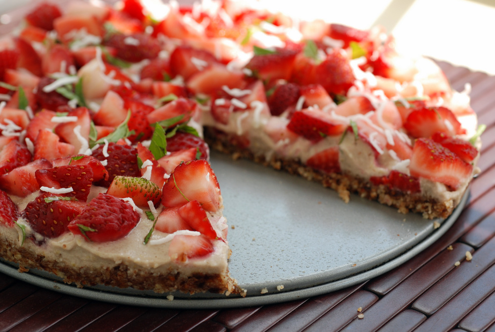 Raw Strawberry Cream Tart | the taste space