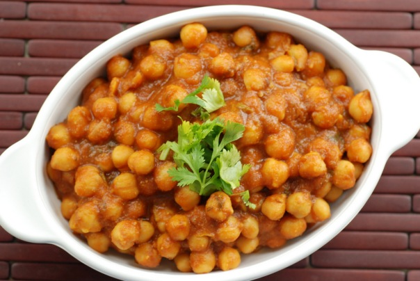 Indian Chickpea Curry with Mango Powder