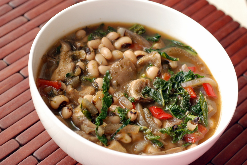 Smoky Black Eyed Pea and Kale Stew | the taste space