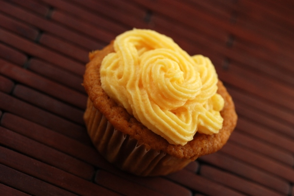 Mango Cupcakes with Mango Buttercream Frosting (Vegan)