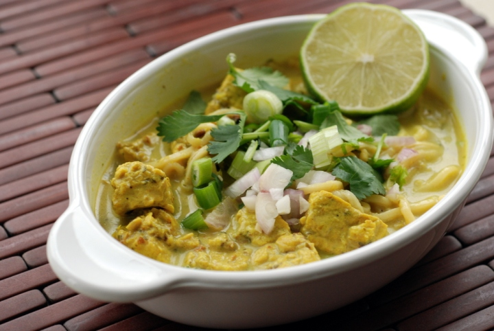 Chiang Mai Curry Noodles with Tempeh (Kao Soi)