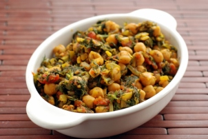 Chickpea Curry with Fresh Dill Leaves