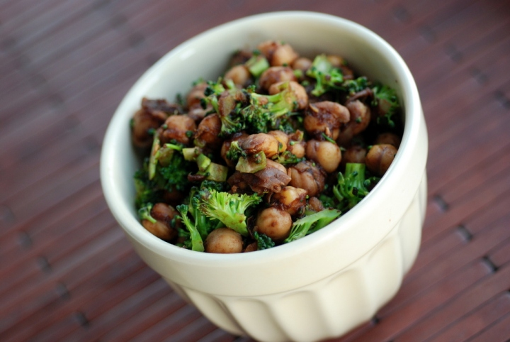 Lemon-Balsamic Glazed Chickpeas and Broccoli