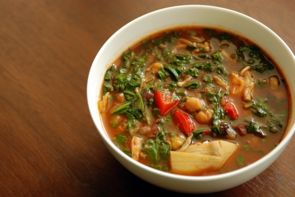 Tomato Chickpea and Spinach Soup