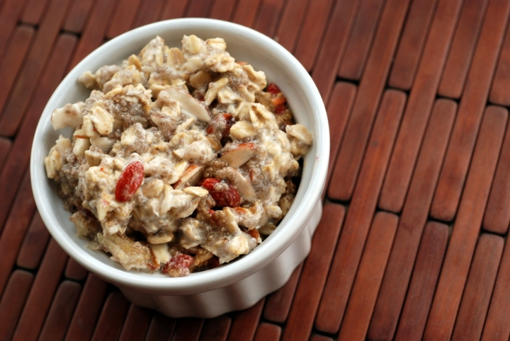 Goji Chia Bircher oat breakfast