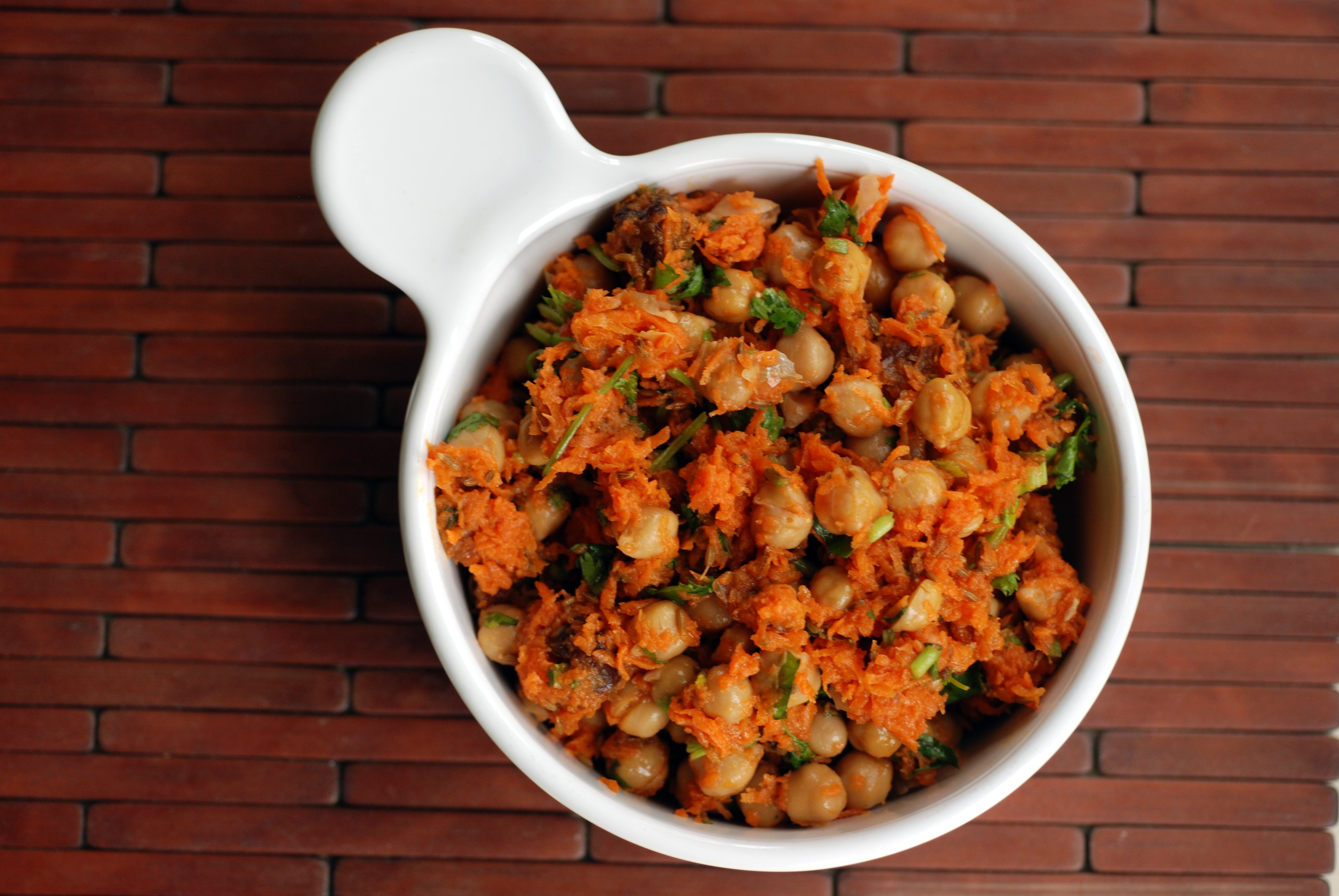 Morrocan Carrot and Chickpea Salad | the taste space