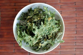 Raw Sour Cream & Onion Kale Chips