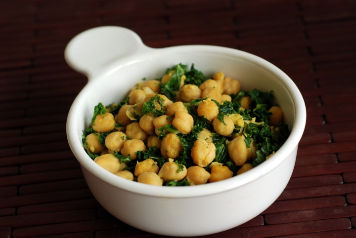 Easy Cheezy Chickpeas and Kale