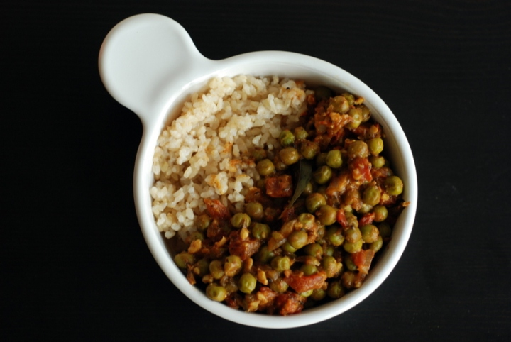 Green Pea Curry (Mattar Masala)