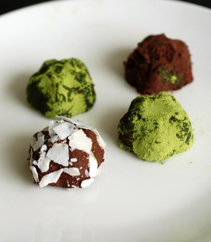 The Best Chocolate Truffles {vegan. gluten-free}