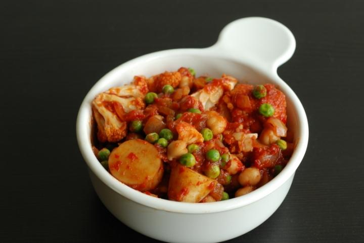 Manchurian Chickpea Bowl
