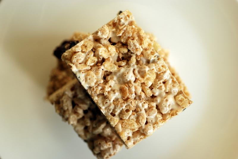 Sweet Sesame Rice Crispy Treats | the taste space