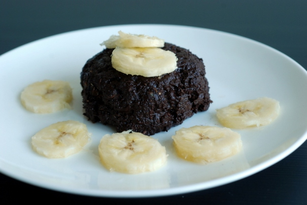 Mini Chocolate Banana Flax Cakes (Raw, No-Bake)