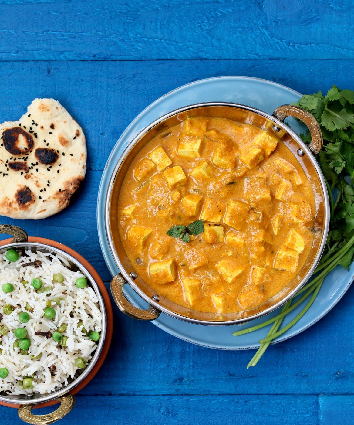 Mango Tofu Curry + Vegan Richa's Indian Kitchen Giveaway | the taste space