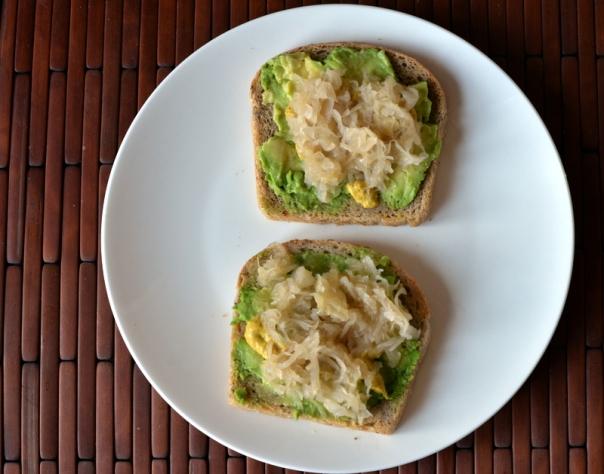 Avo-Kraut Toast